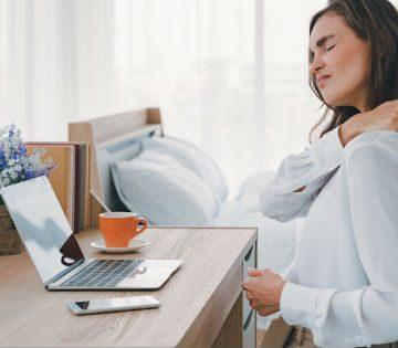 Ergonomía laboral: 5 tips para evitar molestias de salud durante el teletrabajo